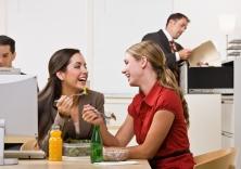 Déjeuner-femmes-travail-Small.jpg